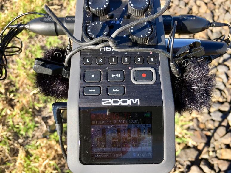 Zoom H6 with RØDE lav mics